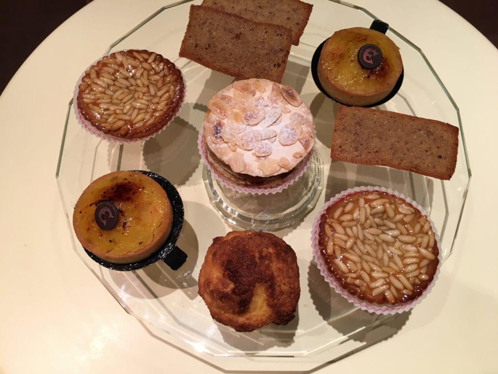 Des pâtisseries du salon de thé d'Antibes.