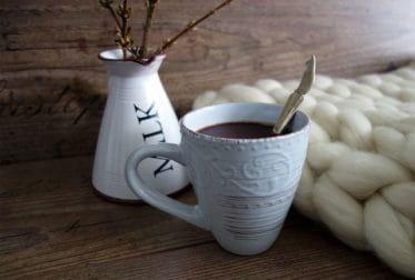 Tasse de chocolat chaud fait maison.