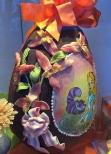 Chocolat artisanal décoré pour Pâques.