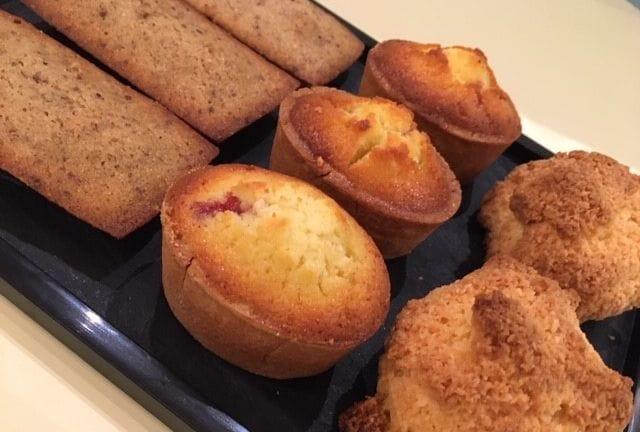 Financiers, brioches et muffins à emporter au Pralin.